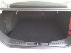 Ford Focus sedan 1.6 Ambiente - Image 18