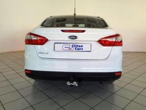 Ford Focus sedan 1.6 Ambiente - Image 4