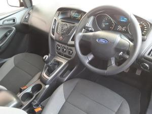 Ford Focus sedan 1.6 Ambiente - Image 9