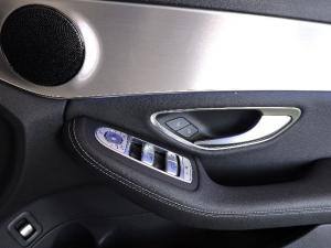 Mercedes-Benz C200 automatic - Image 17