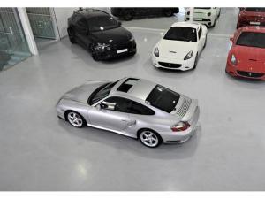 Porsche 911 Turbo Tiptronic - Image 20