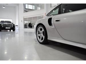Porsche 911 Turbo Tiptronic - Image 9