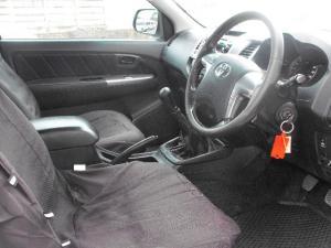 Toyota Hilux 3.0D-4D 4x4 Raider Legend 45 - Image 5