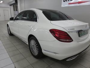Mercedes-Benz C200 Exclusive automatic - Image 8
