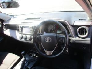 Toyota RAV4 2.0 GX automatic - Image 7