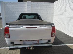 Toyota Hilux 2.4 GDS/C - Image 4