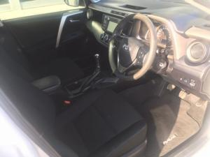 Toyota RAV4 2.0 GX - Image 5