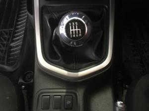 Nissan Navara 2.3D double cab 4x4 SE - Image 10