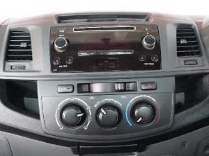 Toyota Hilux 2.5D-4D SRX - Image 10