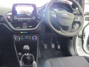 Ford Fiesta 1.0 Ecoboost Trend 5-Door automatic - Image 7