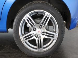 Chevrolet Aveo 1.6 LS hatch - Image 9