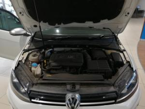 Volkswagen Golf R auto - Image 11