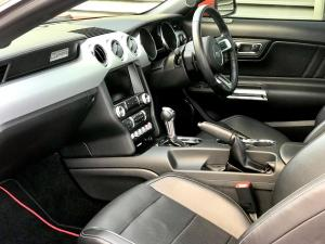 Ford Mustang 5.0 GT automatic - Image 15