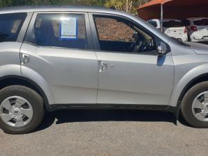 Mahindra XUV 500 2.2D Mhawk 7 Seat - Image 5