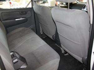 Toyota Hilux 2.5D-4D double cab Raider - Image 6