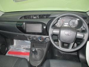 Toyota Hilux 2.0 (aircon) - Image 5