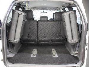 Toyota Land Cruiser Prado 4.0 VX - Image 12