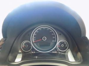 Volkswagen Cross UP! 1.0 5-Door - Image 12