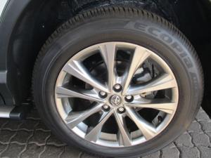 Toyota RAV4 2.2D VX automatic - Image 8