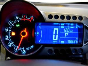 Chevrolet Sonic 1.6 LS automatic - Image 15