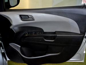 Chevrolet Sonic 1.6 LS automatic - Image 25