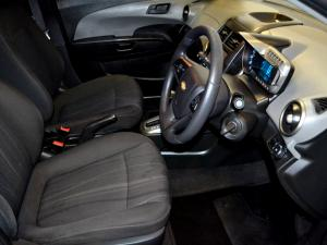 Chevrolet Sonic 1.6 LS automatic - Image 6