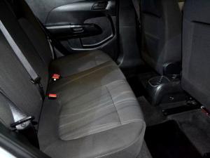 Chevrolet Sonic 1.6 LS automatic - Image 7