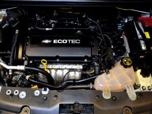 Chevrolet Sonic 1.6 LS automatic - Image 9