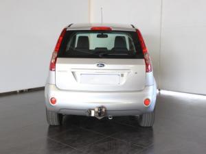 Ford Fiesta 1.6i 5-door Ghia - Image 4