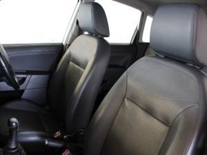 Ford Fiesta 1.6i 5-door Ghia - Image 6