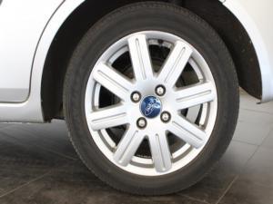Ford Fiesta 1.6i 5-door Ghia - Image 9