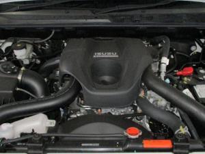 Isuzu D-MAX 250 HO HI-RIDER D/C - Image 12