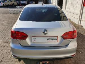 Volkswagen Jetta VI 1.6 TDi Comfortline DSG - Image 3
