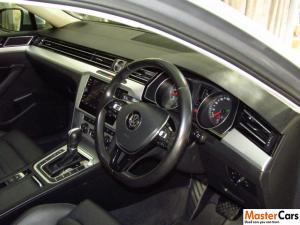 Volkswagen Passat 1.4 TSI Luxury DSG - Image 11