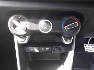 Kia Picanto 1.2 Smart automatic - Image 10