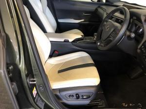 Lexus UX 200 F-Sport - Image 15