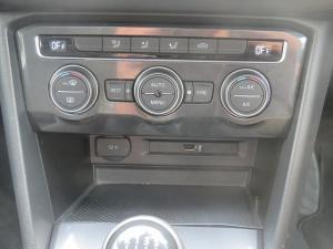 Volkswagen Tiguan 2.0 TDi Comfortline - Image 14