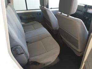 Toyota Land Cruiser 79 4.5DD/C - Image 10