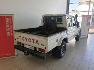 Toyota Land Cruiser 79 4.5DD/C - Image 9