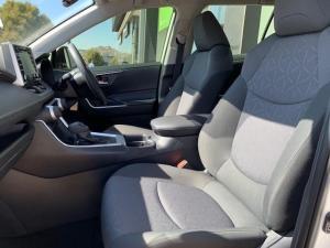 Toyota RAV4 2.0 GX CVT - Image 14