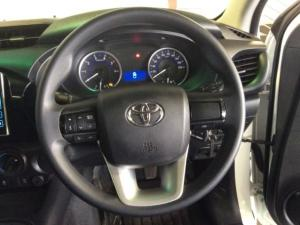 Toyota Hilux 2.4 GD-6 RB SRXS/C - Image 11