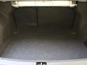 Toyota Corolla 1.3 Prestige - Image 12
