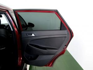 Hyundai Tucson 2.0 Crdi Executive automatic - Image 10