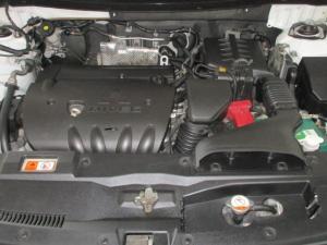 Mitsubishi Outlander 2.4 GLS Exceed automatic - Image 14