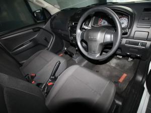 Isuzu D-MAX 250C Fleetside S/C - Image 8