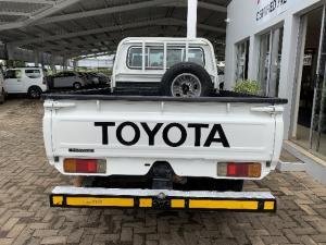 Toyota Land Cruiser 79 Land Cruiser 70 4.5 - Image 3