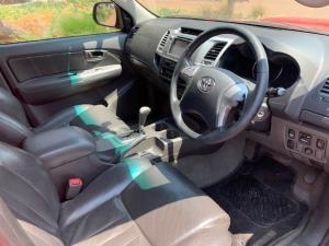 Toyota Hilux 3.0D-4D double cab Raider auto - Image 8