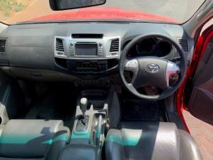 Toyota Hilux 3.0D-4D double cab Raider auto - Image 9