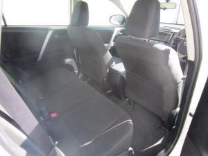 Toyota RAV4 2.2D-4D GX - Image 10
