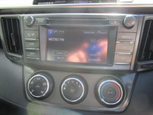 Toyota RAV4 2.2D-4D GX - Image 20